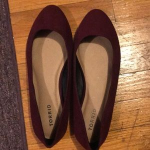 Torrid Maroon flats 9.5W. Never worn (no tags)